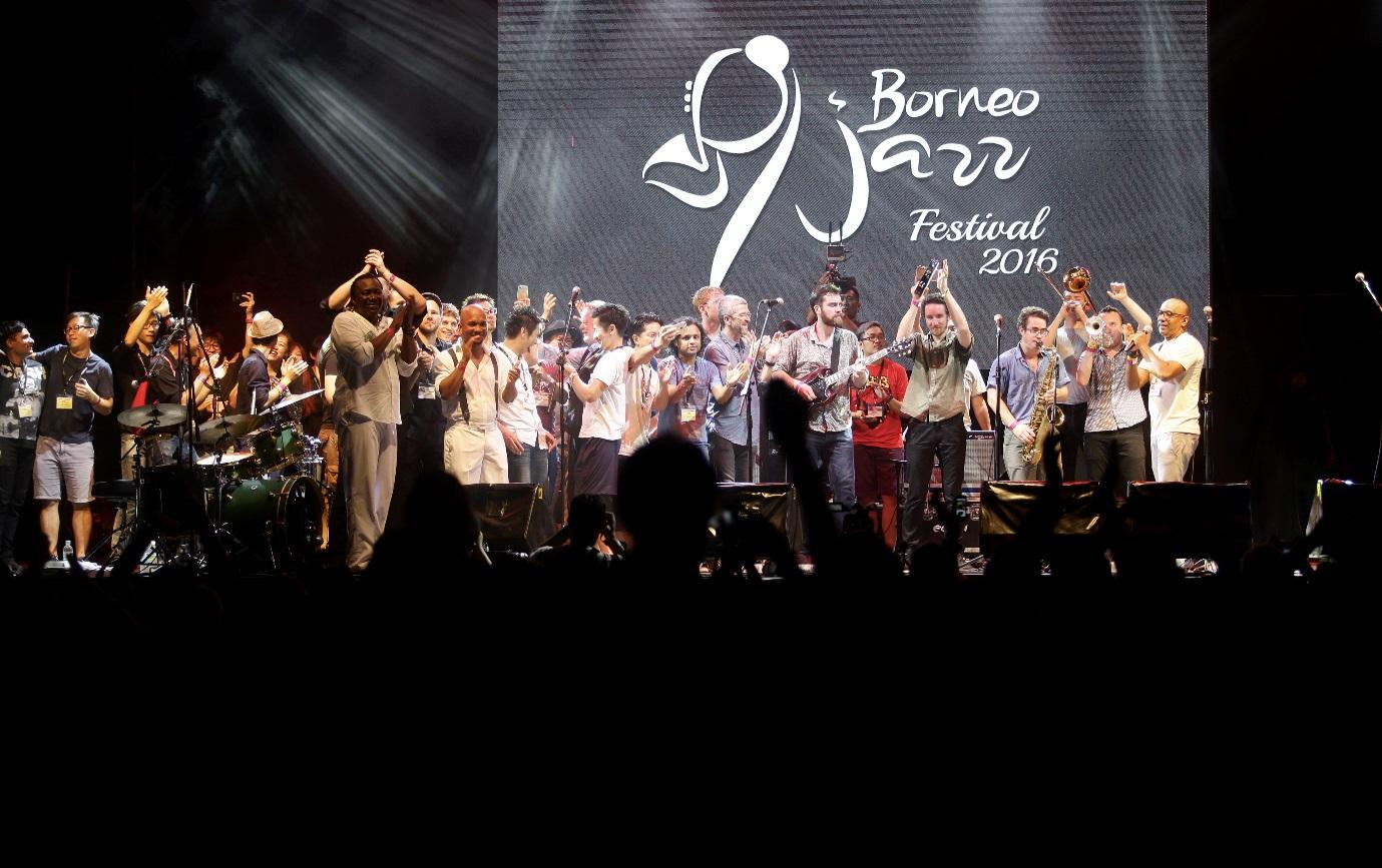 Image shows finale of Borneo Jazz Festival 2016.